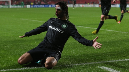 Georgios Samaras celebrates Celtic's equaliser at Benfica