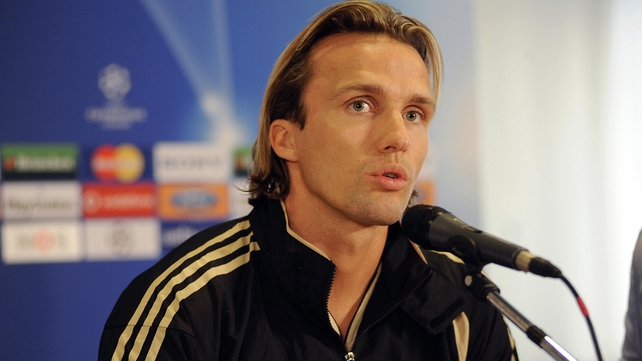 Zenden set for a return to Stamford Bridge