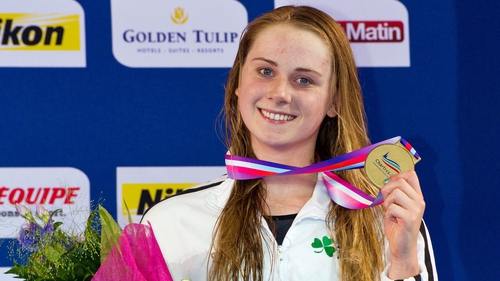 Sycerika McMahon collects her bronze medal in France