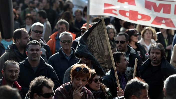 Greek parliament debates latest austerity measures