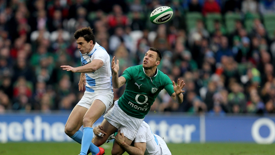 Tommy Bowe is tackled by Juan Imhoff and Marcelo Bosch