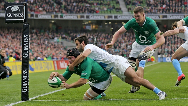 Richardt Strauss scoring a try for Ireland against Argentina in November