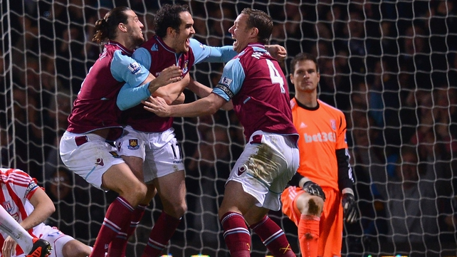 Joey O'Brien (centre) celebrating with West Ham team-mates