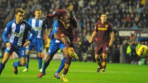Mario Balotelli breaks the deadlock for Manchester City