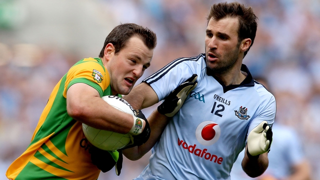 Bryan Cullen battles with Donegal's Micheal Murphy