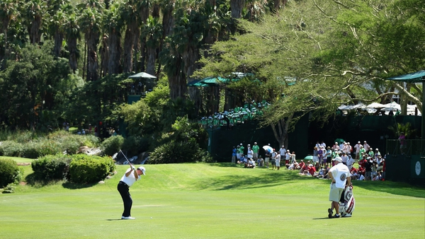 Paul Lawrie plays into the ninth green