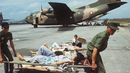 South Vietnamese soldiers carrying wounded civilians in 1972
