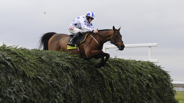 Hello Bud's liking for Aintree continues with this gutsy victory