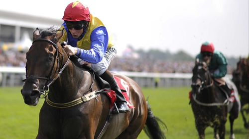 Gordon Lord Byron (L) was denied by G Force in a thrilling finish