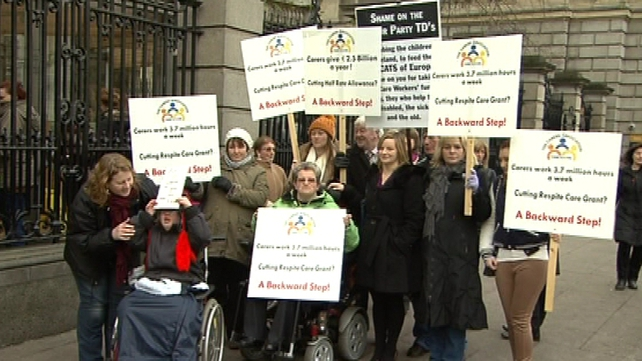 Carers protested outside the Dáil this morning