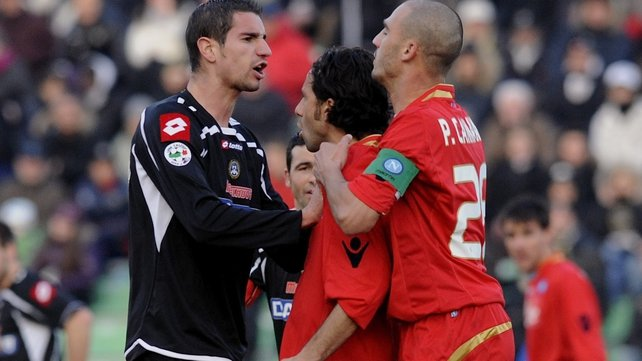 Paolo Cannavaro (right) has been cleared of failing to report match-fixing