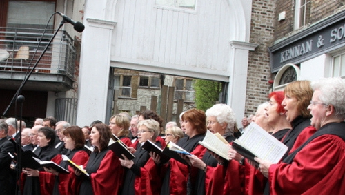 The choir at the location of Neal's New Musick Hall (no longer there), the venue for the first performance of 'Messiah'.