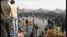 Police use tear gas to disperse New Delhi protest