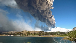 The authorities of Chile and Argentina issued yellow alerts due to the eruption of the Copahue volcano