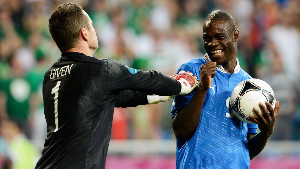 Mario Balotelli teases Shay Given as Ireland slump to a third defeat