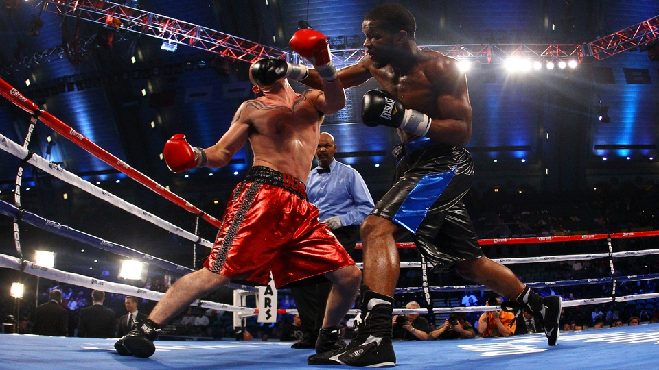 Lavarn Harvell knocks out Tony Pietrantonio in a Light Heavyweight bout  in Atlantic City