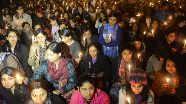 Candle light protest held in New Delhi after woman dies from injuries sustained in rape on a bus
