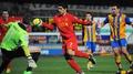 Rodgers defends Suarez over handball controversy