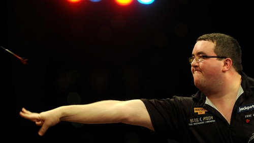 World Masters champion Stephen Bunting lost 4-2 to Darryl Fitton