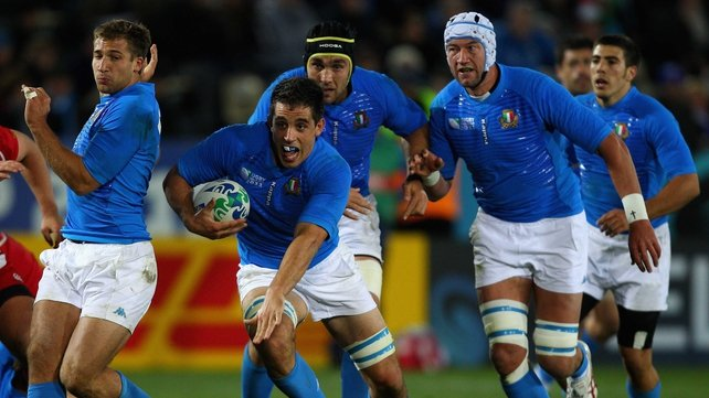 Paul Derbyshire (ball in hand) is back in the Italy squad for the RBS 6 Nations