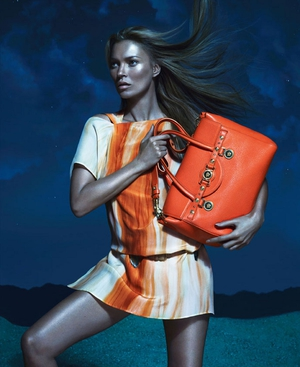 Kate Moss models for Versace's next collection. Image (c) Versace