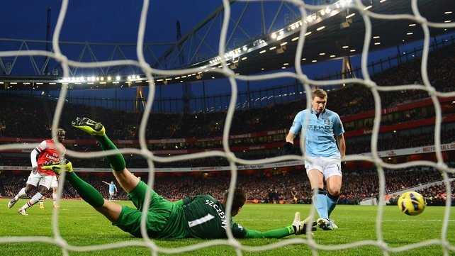 Edin Dzeko fires home City's second