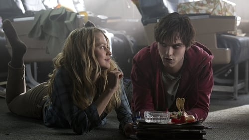 Teresa Palmer and Nicholas Hoult in Warm Bodies