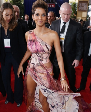 Halle Berry chose a leg-baring number