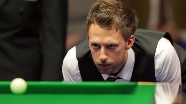 Judd Trump squeezed into the quarter-finals of the Betfair Masters