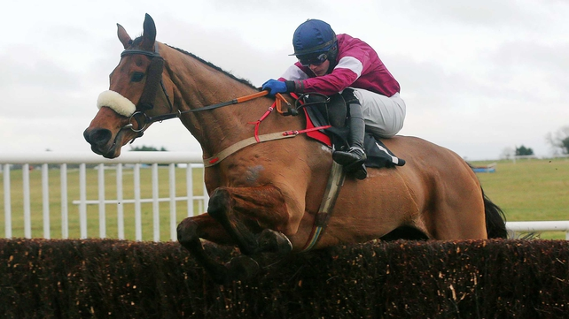 Quito De La Roque recorded an unlikely win over a trip some way short of his best in the Kinloch Brae Chase at Thurles