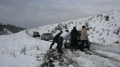 A number of cars are stuck on the Sally Gap in Co Wicklow after heavy snow