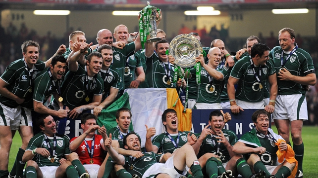 Ireland celebrate the Grand Slam in 2009