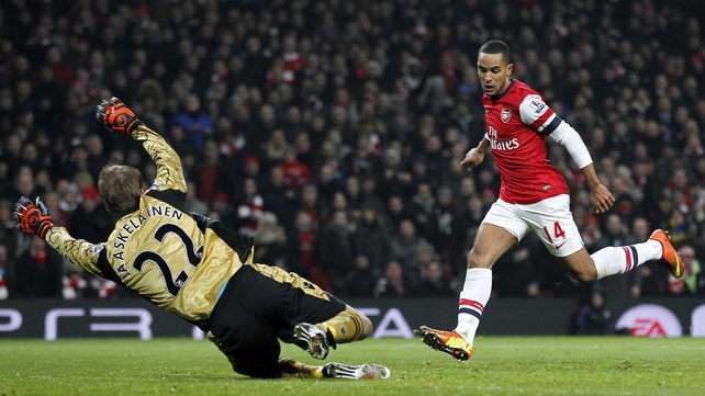 Theo Walcott slots home Arsenal's fourth
