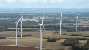 Under proposed guidelines there would be a 700m set-back between wind turbines and private homes