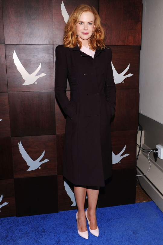 We love Nicole's simplistic style. It's minimal, effortless but always rich and classy.