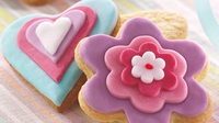 Heart and flower cookies - A great bake to get the kids involved with, or a seriously sweet Valentine treat