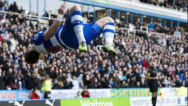 Noel Hunt backflips to celebrate his opener
