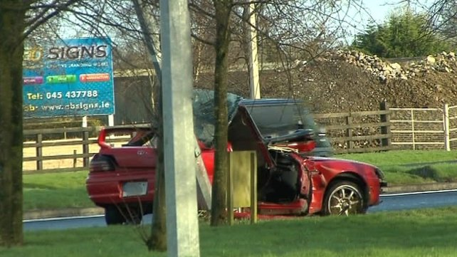 The crash happened on the Naas to Newbridge road at 3.20am