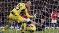 Reina plays down Barcelona link
