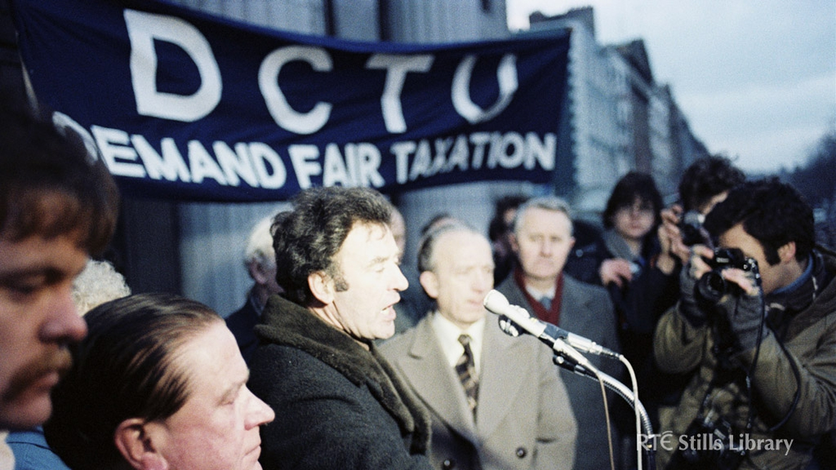 Sam Nolan addresses the crowd at a protest for fair taxation in 1980.