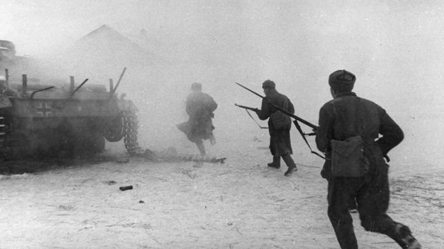 December 1942: Red Army men break into a populated area north-west of Stalingrad