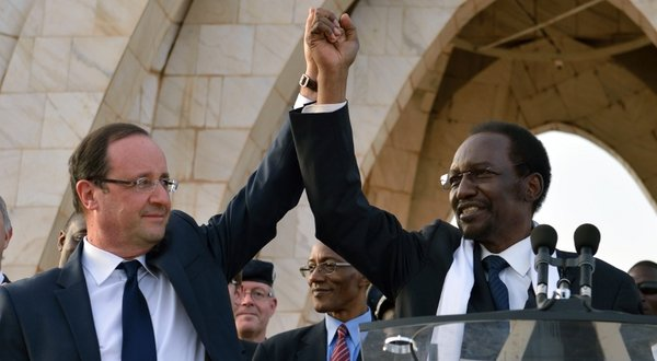 French president Francois Hollande with Mali interim president Dioncounda Traore