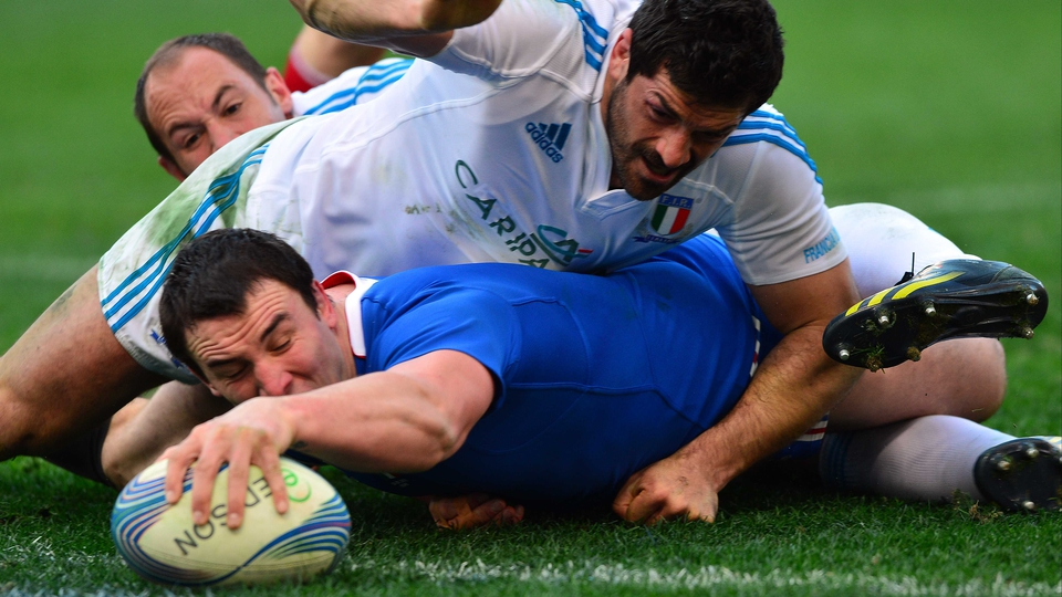 Louis Picamoles scores a try for France but it wasn't enough to stop Italy from winning