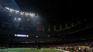 However the game was interrupted for more than half an hour when the lights failed inside the stadium