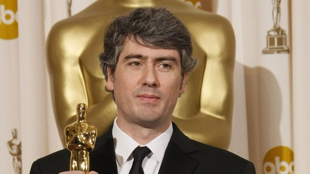 Dario Marianelli accepting his Oscar for Atonement in 2008