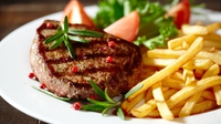 Steak and Chips - Derry Clarke stops by Four Live and cooks this classic for Maura