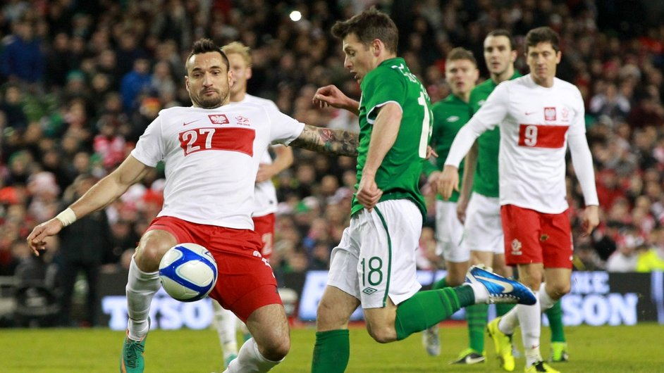 Wes Hoolahan scores Ireland's second goal in their 2-0 friendly win over Poland at Lansdowne Road