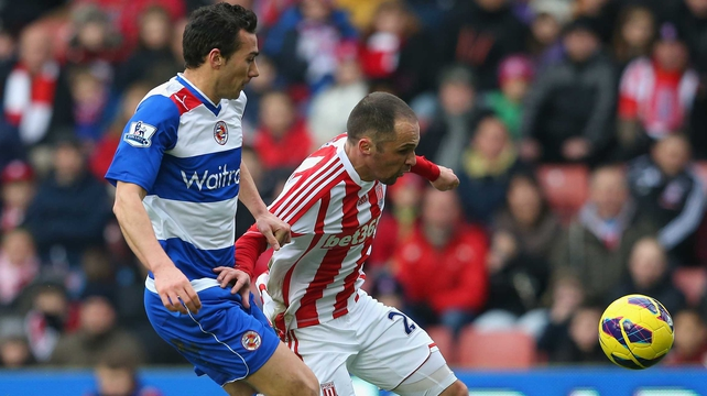 Stephen Kelly closes down Matthew Etherington