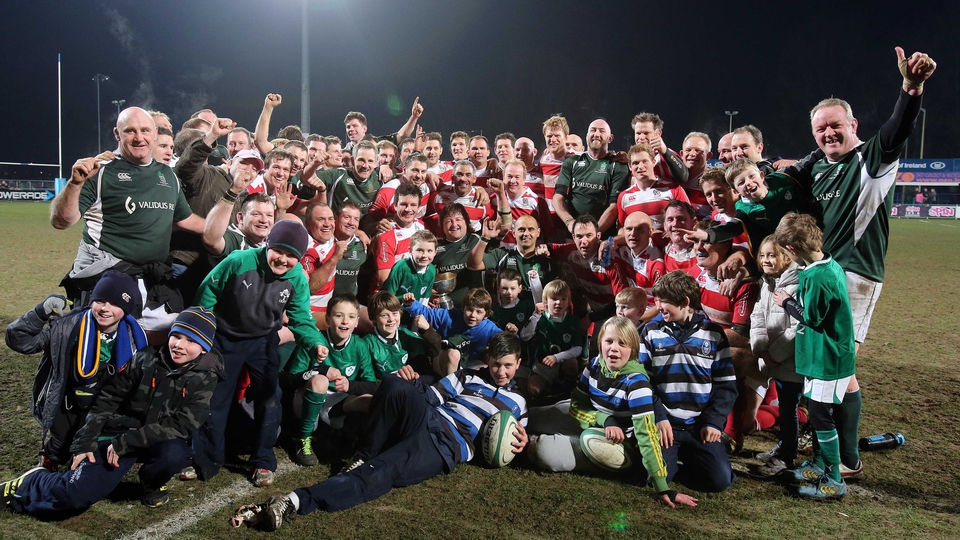 The Ireland and England teams after the IRFU Legends charity match in Donnybrook