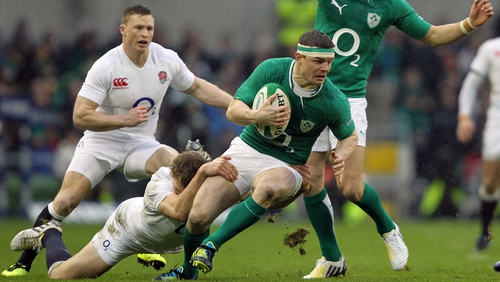 Keith Earls is hoping that Brian O'Driscoll will extend his international career